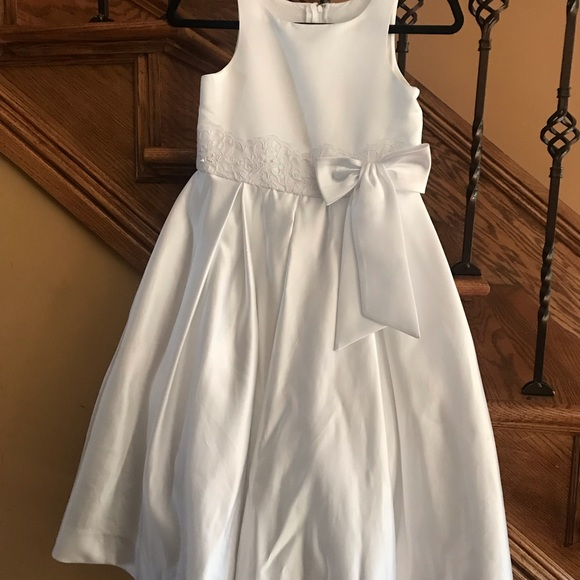 Us Angels Other - White dress